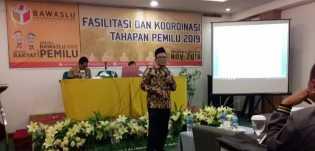 Bawaslu se-Riau Tertibkan 563 Alat Peraga Kampanye