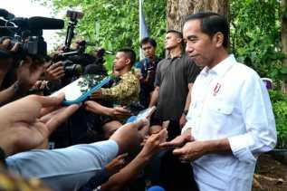 Presiden Jokowi Minta Awasi Dominasi Produk Luar Negeri di Perdagangan Online