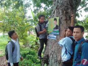 Aksi Bersih - bersih Mahasiswa dan Pemuda Padangsidimpuan Jaga Hutan Kota