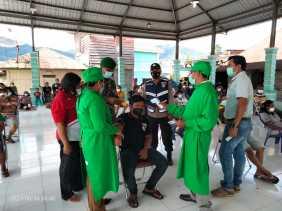 Babinsa Jajaran Kodim 0205/TK Kawal Vaksinasi Covid-19 Kepada Warga Termasuk Lansia