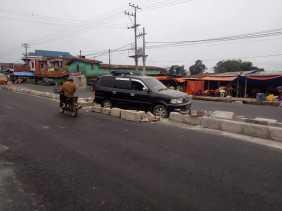 Ada  Pengendara Kecelakaan di Lokasi Proyek Pengerjaan Jalan Nasional di Ujung Aji - Kabanjahe