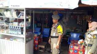 Satpol PP Pekanbaru Tertibkan Pondok Liar di Arifin Achmad