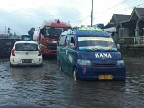 Hujan, Akses Jalinsum Berastagi -  Kabanjahe Langganan Banjir