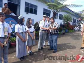 Hari Guru ke 74 di SMAN 1 Berastagi dan Ide Komite Gencar Sosialisasi Sadar Kebersihan