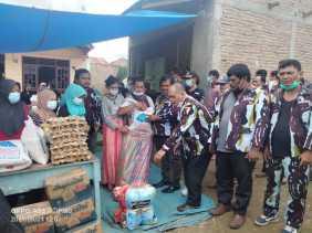 DPD IPK Kabupaten Karo Berikan Bantuan Sembako Kepada Korban Bencana Longsor Di Lau Bawang
