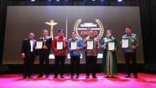 Ketua DPR Sabet Penghargaan
