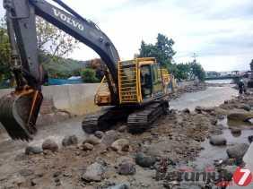 Warga, Almustan Girsang: Meluapnya Sungai di Desa Tongging Tahun 2011, Banjir yang Terbesar