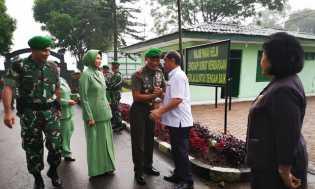 Pamit ke Prajurit Kodim 0205/TK, Brigjen Mohammad Fadjar Disambut Bupati Karo