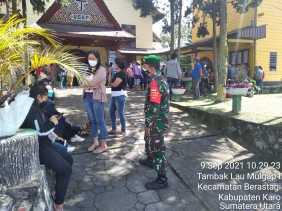 Cegah Penyebaran Covid 19 di Wilayah, Babinsa Koramil 03/BT Imbau Pemuda Patuhi Prokes