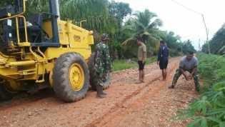 Hari ke 16 TNI-MMD, Penimbunan Akses Jalan di Desa Sei Rusa Didatangkan Alat Berat