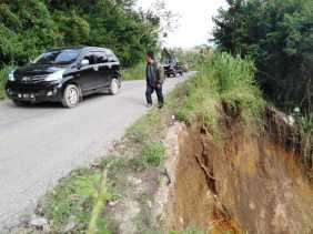 Longsor di Kabanjahe - Kutabuluh Tepatnya di Dusun Sebintun, Paten: Sudah Perintahkan Anggota