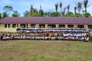 Potret Erupsi Sinabung, Bupati Karo Pimpin Upacara di SMP N 1 Namanteran