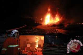 Diperiksa 12 Jam, Oknum Legislator Jadi Tersangka Pembakar 7 Sekolah Dasar