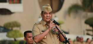 Wakil Gubernur Riau Tegur ASN Berpakaian PDH tak Sesuai Aturan