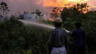 BMKG Pantau Aktivitas 13 Titik Api Kebakaran Lahan di Riau