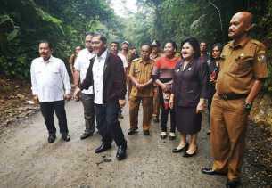 Anggaran Rp14 Miliar, Anggota DPRD Sumut dan Bupati Karo Tinjau Pembangunan Jalan Karo -Langkat