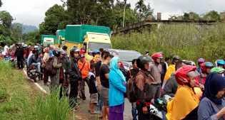 Banjir di Pangkalan: Jalan Sumbar -Riau Sudah Bisa Dilalui Sabtu (30/17) Pukul 18: 00 WIB
