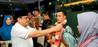 HUT PGRI dan HGN 2018, Siswa Berpertasi Riau Diberi Penghargaan