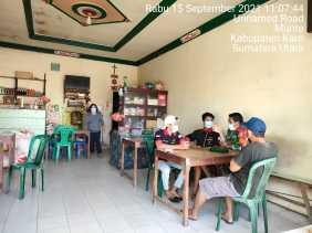 Babinsa Koramil 06/MT Menekankan Ke Pemilik Warung Kopi Patuhi Protokol Kesehatan