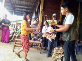 Wakil Rakyat Karo Agra Gurning Bantu Sembako ke BHL (Aron) dan STM Air Madu di Kabanjahe