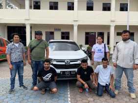 Gelapkan Jaminan Fidusia  1  Unit Mobil CRV,  Siti Hajar dan Rekanya Ditangkap Polres Karo